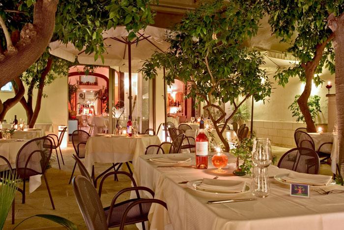 Ristosito il giardino ristorante di lecce for Il giardino milano ristorante
